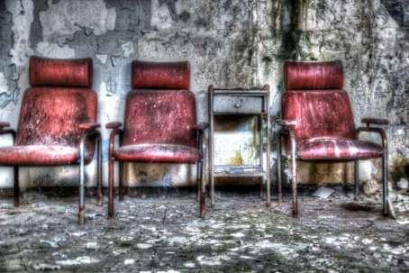 drie stoelen HDR